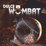 Logo oraz koncepcja graficzna materiałów reklamowych producenta pączków Dulce Wombat.